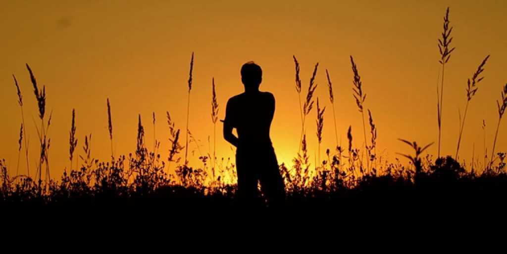 Menjadi Pribadi Yang Bisa Berdiri Kokoh Di Atas Kaki Sendiri Mamhtroso Com